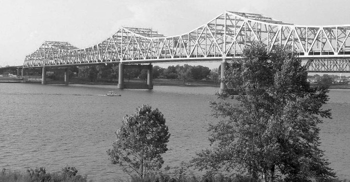 Overall view of the I-65 John F. Kennedy Memorial Bridge. (Reprinted from ASNT Publication.)