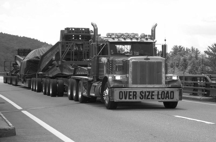 Traffic overload. (Courtesy of International Association of Structural Movers.)