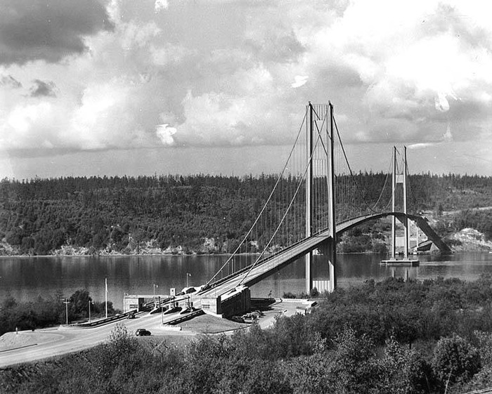 Completed bridge, before opening. (Courtesy of University of Washington Libraries, Specail Collections.)