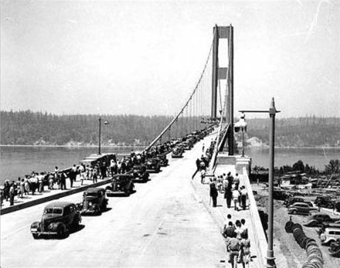 Opening of bridge for traffic. (Courtesy of University of Washington Libraries, Specail Collections.)