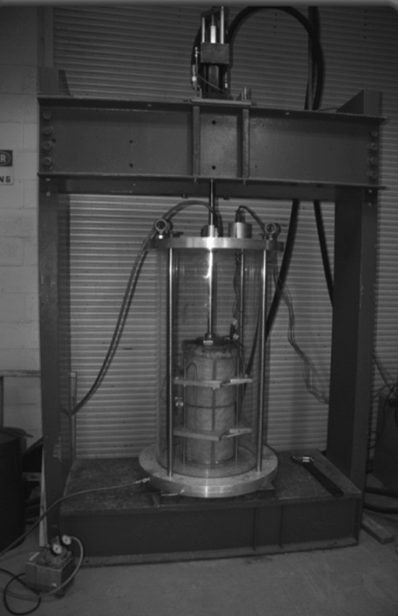 Large (0.3 m, 12 in. diameter) triaxial test apparatus. (Courtesy of University of Illinois Urbana-Champaign, Champaign, Illinois.)