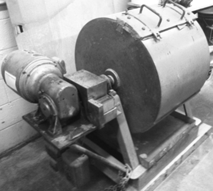 Los Angeles Abrasion apparatus. (Courtesy of University of Illinois Urbana-Champaign, Champaign, Illinois.)